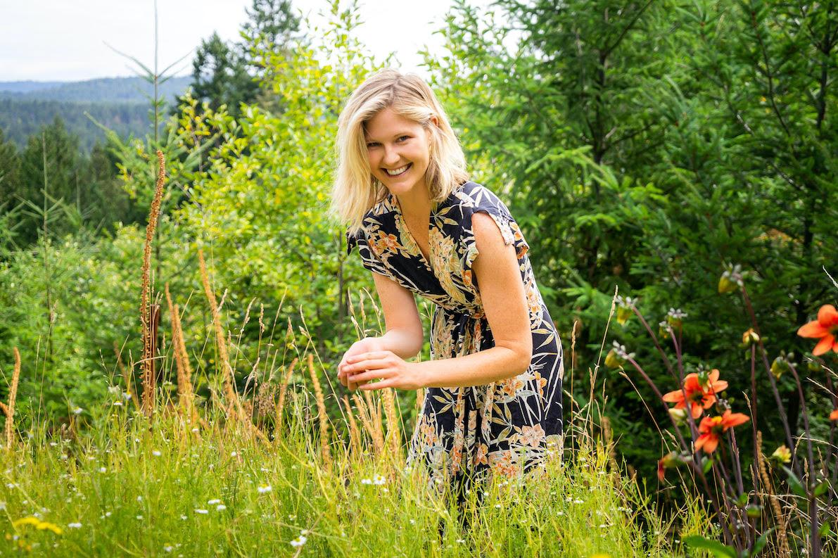 Meg De Jong nutrition chamomile picking